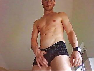 عضله داغ زنجبیل مرد نشان می دهد برآمدگی هیو او در تقدیر باکسر NO