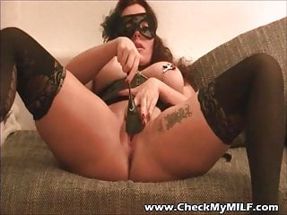 Checkmy milf stockings nipple clamps play...