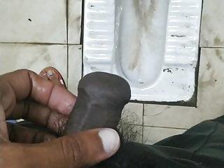 Pissing hypo cock