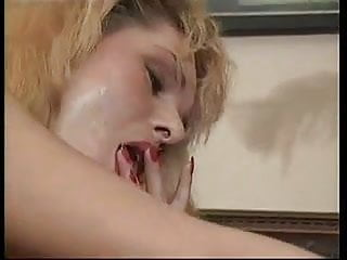 MATURE LESBIANS LICKING PUSSY