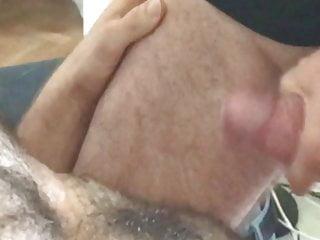 cumshot on a hairy bi dad – geil abgespritzt
