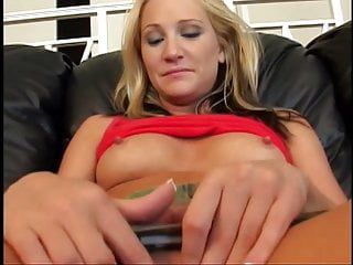 Slut gets banged after eyes blindfolded