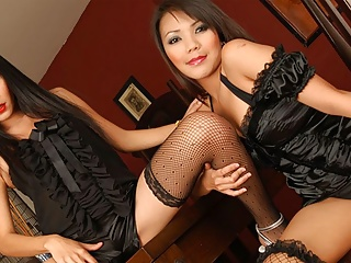 Rewedy Thai on lesbians  a are using strap- and Mintra