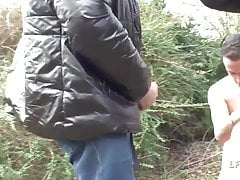 Rouquine francaise defoncee dans une orgie en pleine nature