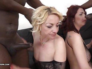 Granny sex pussy fucked interracial gangbang...