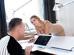 MATURE4K. Guy claimed he was an IT master but in fact he just fucked her2