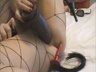 Troia italiana matura si masturba e si dilata la figa
