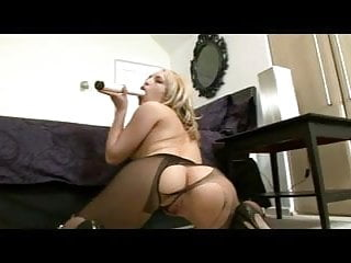 UK Jessica's Ripped Pantyhose Jam Session