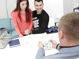 HUNT4K. Cameraman meets teen couple in Prague and offers money