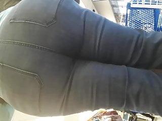 Jumbo booty GILF VPLs..