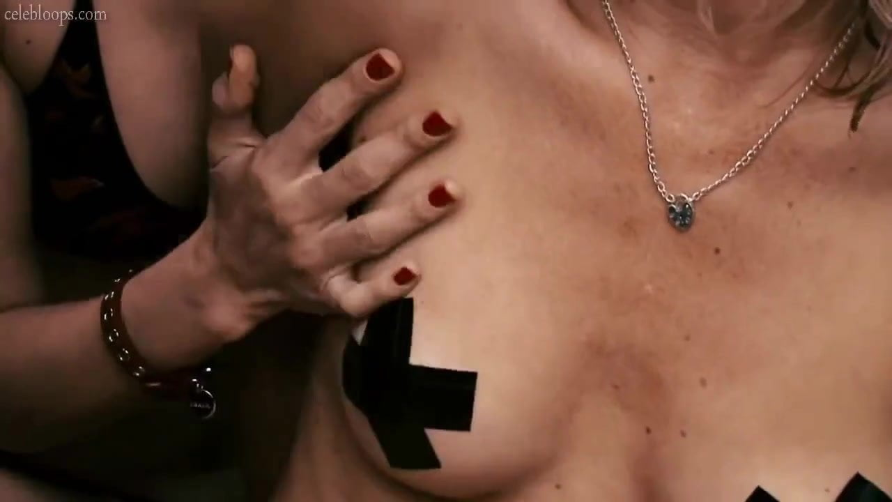 Amy Smart Sex Tape amy smart - lesbian kiss scene - kiss, lesbian scene, scene