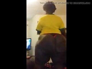 Aunt frannie shaking dat huge juicy 63inche ass...
