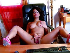 Dunia Montenegro Webcam - Ebony Girl Shows her Pussy