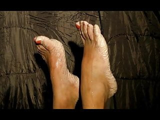 Bianca's glistening toes 2014 half 14
